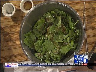 Spinach, Fruit & Walnut Salad