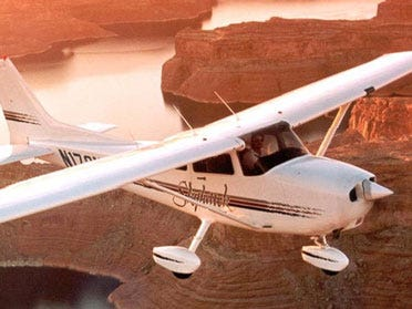 Cessna To Lay Off 2,000 Workers