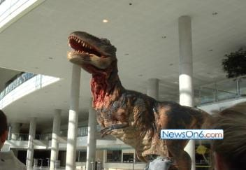 Dinosaurs Come to Life in Tulsa