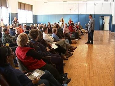 Owen Park Residents Discuss New Alternative School