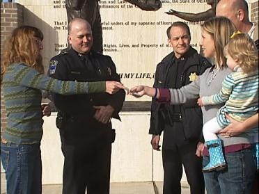 TPD Receives Gift From Runners World
