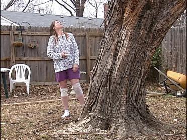 Tulsa Woman Warns Of Tree Trimming Crews