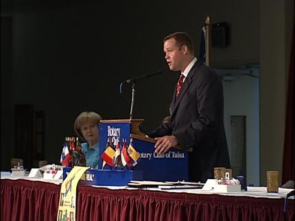 Rotary Hears Of Effort To Land Space Shuttle