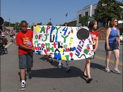 Sand Springs Kids Observe Independence Day