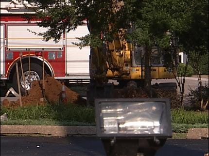 Gas Main Break Closes Tulsa Street