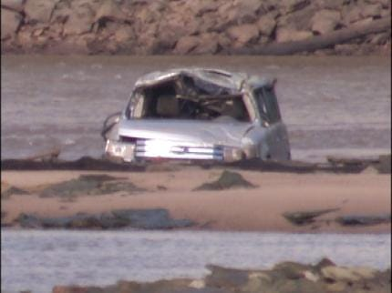 Empty SUV Found In The Middle Of Arkansas River
