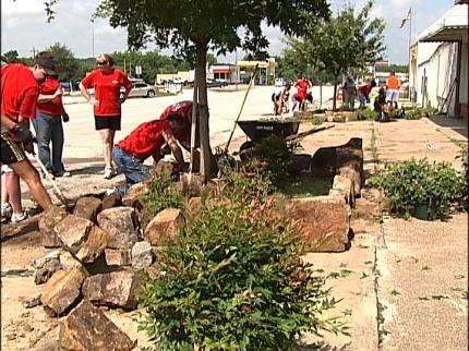 Tulsa Volunteers Help Rebuild Downtown Weleetka