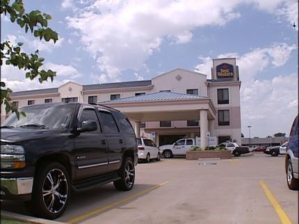 Police Investigate Oklahoma City Murder-Suicide