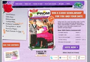 Bixby Students are Finalists in Duct Tape Prom Contest