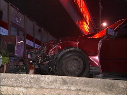 Tulsa Driver Runs Red Light, Crashes Into Car