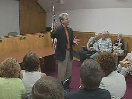 Senator Coburn Discusses Stimulus Project In Perkins