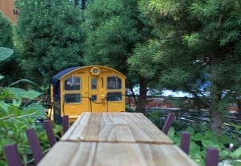 Tulsa Garden Railroad Club Offers Tours