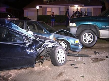 No Injuries In Two Overnight Tulsa Traffic Crashes