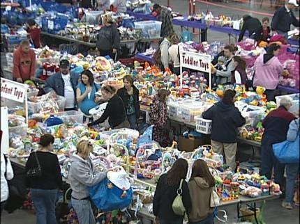 Tulsa Parents Save Money At Just Between Friends Sale