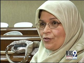 State House Passes Bill Restricting Head Coverings