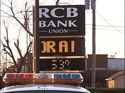 Men Honored For Preventing BA Bank Robbery