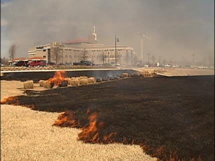 Grass Fire Ignites Near Tulsa Construction Site