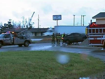 Driver Injured After Hitting Sapulpa Motel