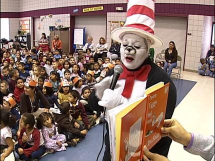 Dr. Suess Characters Read To Tulsa Students
