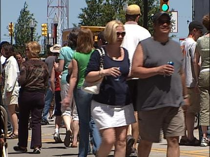 About 360,000 Attend This Year's Mayfest