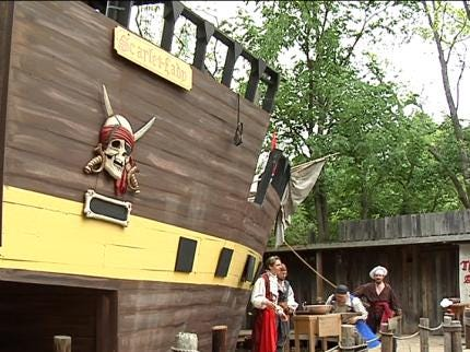 Muskogee Festival Brings Renaissance England To Life