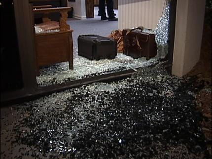 Thieves Try But Fail To Steal TV