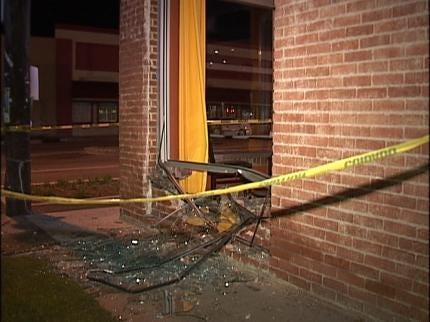 Crash Ends Tulsa Police Chase Late Tuesday