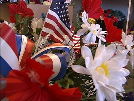 Sand Springs Group Making Memorial Day Wreaths