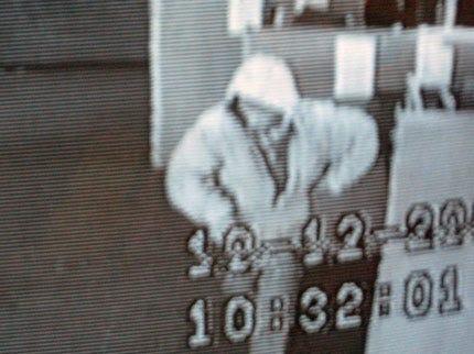 Man Robs Tulsa Check Cashing Business