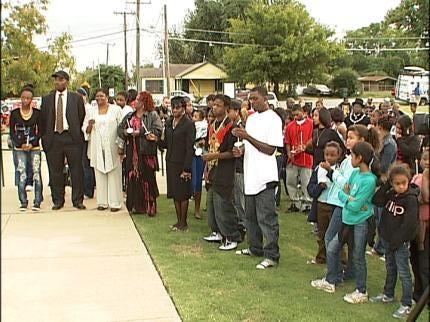 Candlelight Vigil Held For Murdered Tulsa Teen