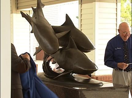 Newest Oklahoma Aquarium Sharks Made Of Bronze