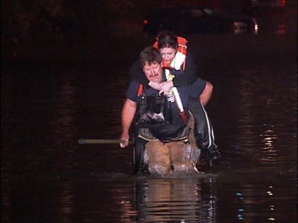 Flash Flooding Strands Tulsa Area Motorists