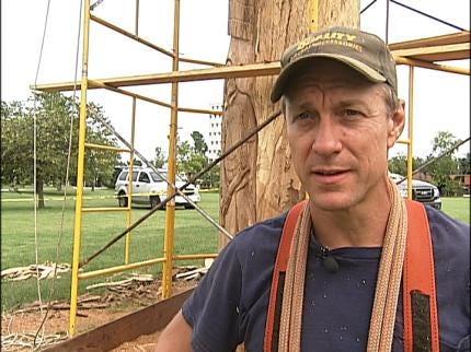 Chain Saw Artist Creates Patriotic Tribute In Tulsa's Veterans Park