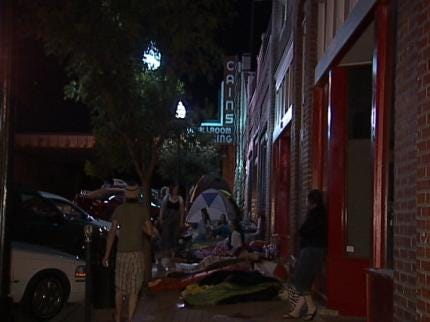 Devoted Hanson Fans Camp Out At Tulsa's Cain's Ballroom