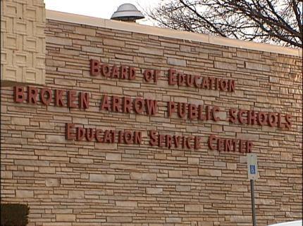 Broken Arrow School Board Members Meeting Again With State Auditor's Office
