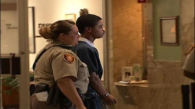 Witness In Tulsa Teen's Murder Trial: We Didn't Think To Call 911
