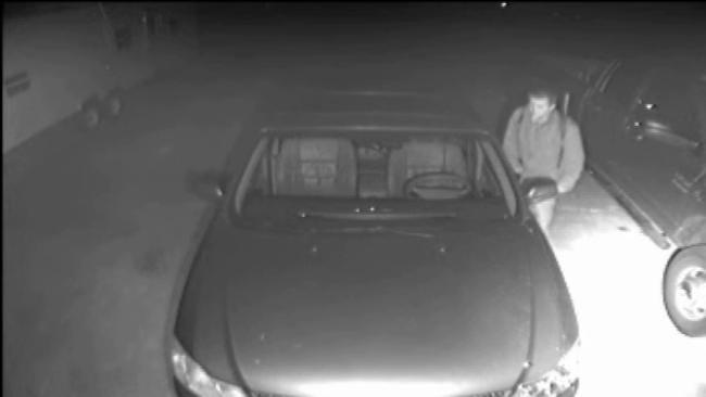 Broken Arrow Resident Videos Suspected Car Burglar