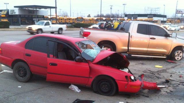Several People Hurt In Tulsa Crash At Pine And Memorial