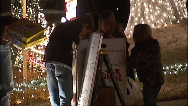 'Little Rhema' Holiday House Lights Up Broken Arrow