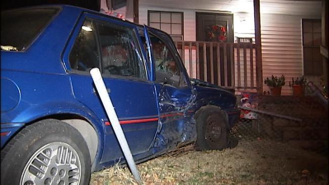 Men Run From Tulsa Wreck Leaving Injured Woman