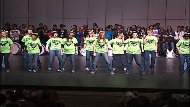 Jenks Teachers Show School Spirit With 'Gold Ball' Dance