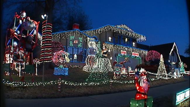 Broken Arrow Holiday House Gains National Attention