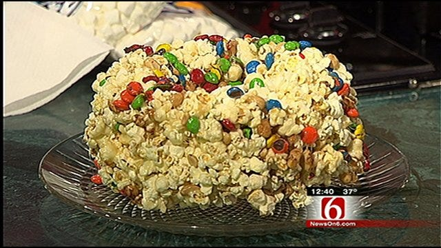 Holiday Popcorn Cake