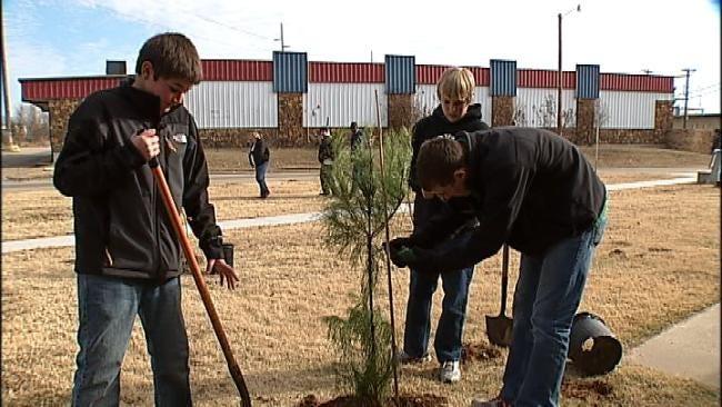 Green Teens Start Tree-Planting Initiative in Tulsa