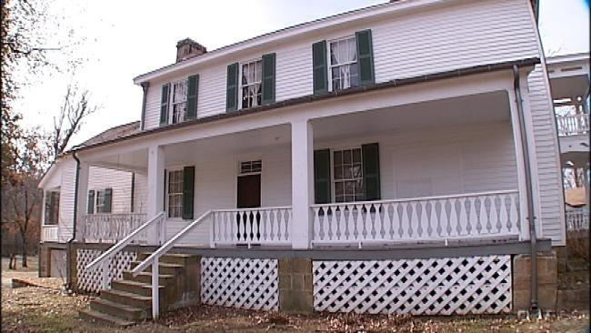 Oklahoma's Own: Celebrate Antebellum Christmas At Murrell Home