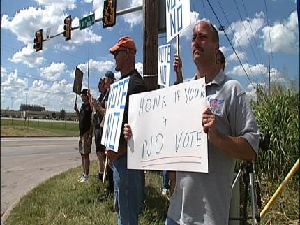 American Airlines Workers Protest New Contract