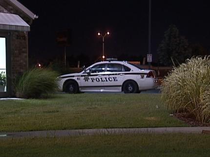 Tulsa Motel Clerk Robbed at Gunpoint Early Thursday
