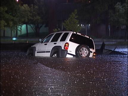 Heavy Rains Flood Tulsa Streets Early Thursday