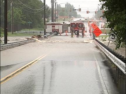 Heavy Rains, Construction Restrict Traffic On 81st Street In South Tulsa