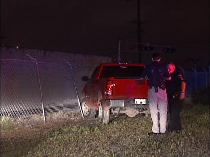 Chain Link Fence Ends Tulsa Police Pursuit